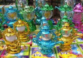 colorful-plastic-ramadan-lanterns_blog